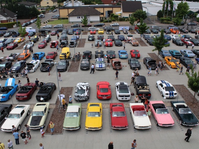 2. Mustang-Car-Show
