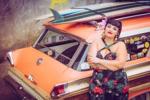 Paradiesisch: C&F Rockabella Queen und Fifties Mercury Wagon