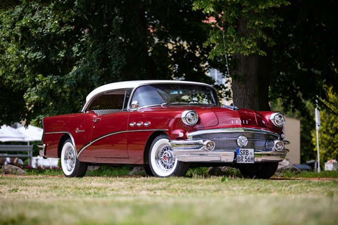 1956er Buick Special Hardtop Coupe